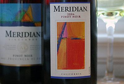 meridian-pinotnoir_2S.jpg