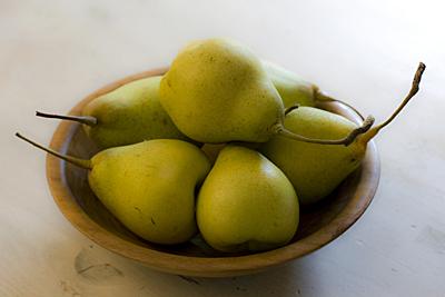 yali-pear_2S.jpg