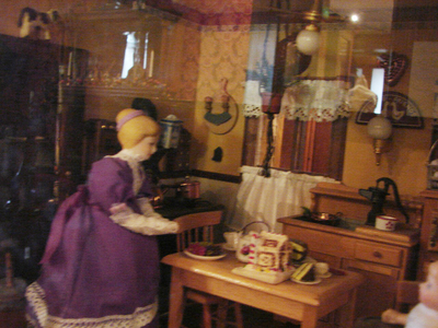 dollhousekitchen3.jpg