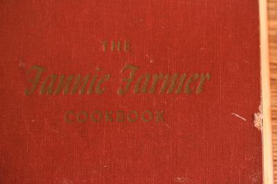thefanniefarmercookbook1.jpg