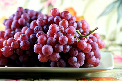 red_flame_grapes_1S.jpg