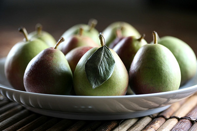 seckel_pear_1S.jpg