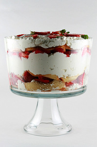 strawberry_trifle_1S.jpg